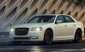 Luxury Sedan - Smooth Riding in the Chrysler 300